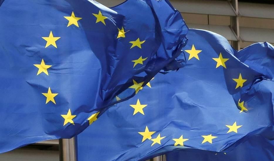 UE cuestiona lealtad de Estados Unidos en medio de crisis por submarinos