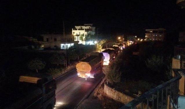 Quinto convoy de tanques diesel cruza la frontera sirio-libanesa.